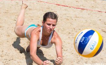 пляжная-волейболистка